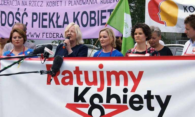Sukces kobiecej solidarności - zakończenie zbierania podpisów pod projektem Ratujmy Kobiety