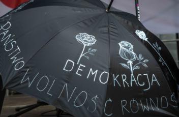 czarna_parasolka